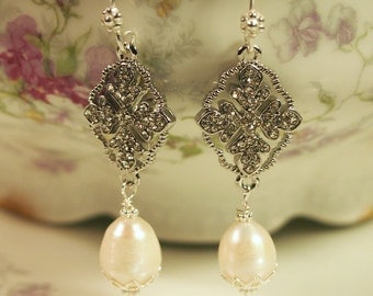 The Marie Antoinette Earring (In Silver)