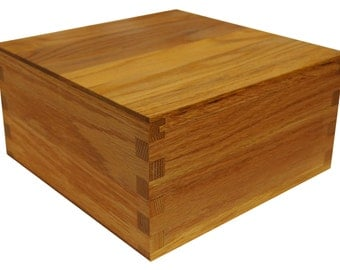 Large Wooden Keepsake/Memory Storage Box, Sliding Lid, Box Joinery, Solid  Oak