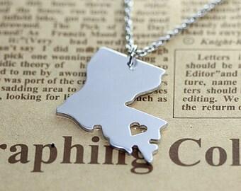 I heart  Louisiana Necklace - Louisiana Map Pendant - State Necklace - State Charm - Map necklace - Map Jewelry