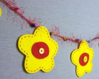 felt flower garland - spring garland - flower power - nursery decor - children's room decoration - birthday party - celebration