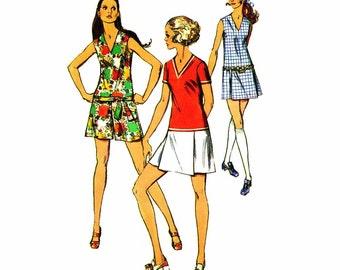 1960s Mod Mini Pantdress Simplicity 8657 Vintage Sewing Pattern V-Neckline Sleeveless Retro Junior Misses Vintage Pattern Size 9 Bust 33