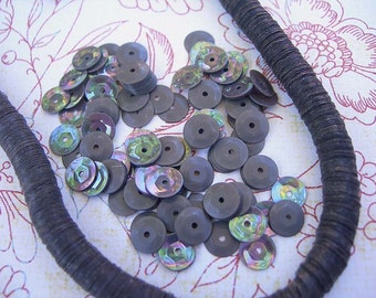 Vintage Sequins Strand GRAY RAINBOW iridescent cupped couture embellishments Full Strand 6mm