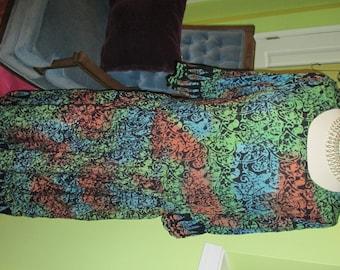 Comfy, Artsy and Chic Vintage Batik Print Dress
