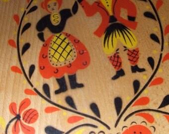 Mid Century Pennsylvania Dutch Folk Art Cutting Board