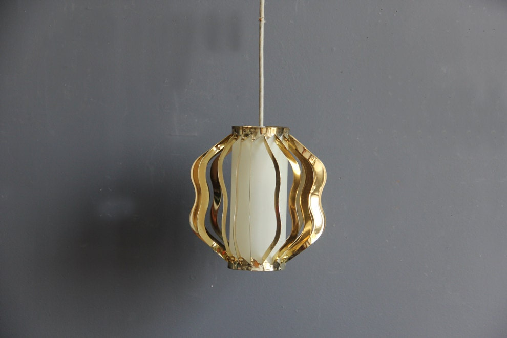 Unique Retractable Brass Pendant Light Works Great