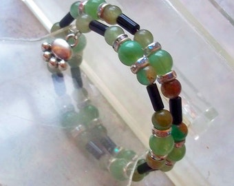 Memory Wire Bracelet Green and Black