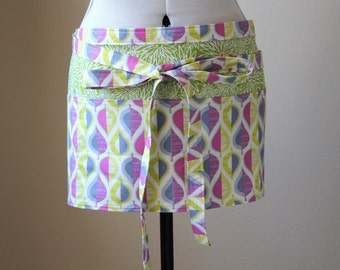 Gardener and Craft Half Apron - Wildwood Pressed Leaves and Green