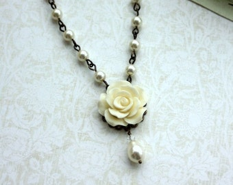 Ivory Rose Flower, Ivory Pearl Drop Necklace. Maid of Honor Gifts. Wedding Jewelry Bridesmaid Gift Necklace. Country Wedding. Vintage Style