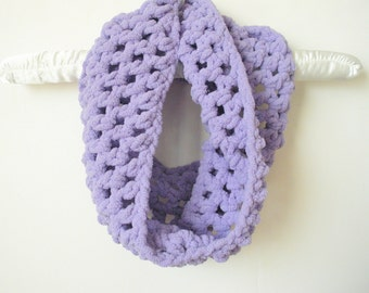 SALE Chunky Crochet Cowl Scarf Neck Warmer in Lavender Pastel, ready to ship.