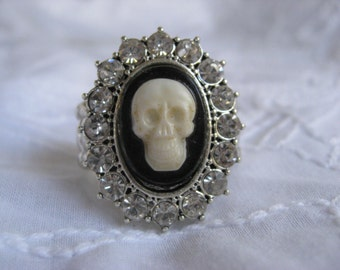 SALE-Vintage Skull Cameo Ring
