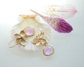 Light Purple earrings, purple drop earrings, Lilac earrings, Gold and purple earrings, purple stone earrings, Floral earrrings