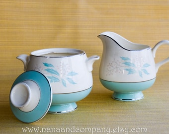Homer Laughlin China Co. Creamer and Sugar Bowl & Lid - Romance Pattern - 1950s - Mid Century - White and Aqua - Very Good Condition