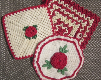Red DOILLES POTHOLDERS Real Vintage