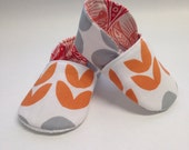 6-12 months Tangerine Tulips & Grey Dots Chukka Baby Shoes - READY TO SHIP