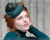 Cocktail Hat / Green Fascinator Hat /  St Patrick's Day Headpiece / Mini Hat