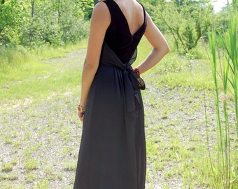 Vintage Black Velvet Maxi Gown Dress Girls Womens Size 2