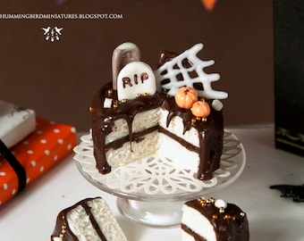 Rich Chocolate Halloween Cake 1/12 scale dollhouse miniature - HALLOWEEN RANGE