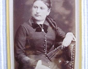 Antique French Photo / Carte de Visite (CDV) - Woman Holding a Fan (Duffart & Zubelen, Marseille, France)