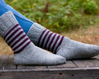 Wool blend socks hand knit in gray with dark purple aubergine stripes