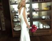 Hollywood Glitz - Rhinestone Bridal Feather Fascinator, Ivory Feather Fascinator, Bridal Headpiece, Wedding Hair Accessory, Wedding Veil
