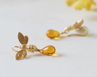 Bee  Earrings, Bee Jewelry, Gold Honey Bees Amber Glass Dangle Earrings, Summer Earrings, Gift for Bee lover Bee Keeper, Woodland Jewelry