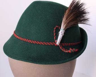 Vintage AUSTRIAN HAT, Oktoberfest Hat, Green Tyrolean Hat, Alpine Hunters Cap, Austrian Hat ORNAMENT, Deer Stag Hat Brooch, Green Felt Hat