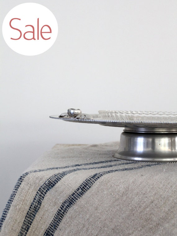 SALE - Lazy Susan / 1940s hammered aluminum serving tray / trade continental