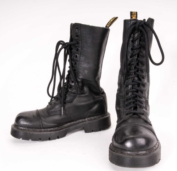 doc martens boots womens size 6 us