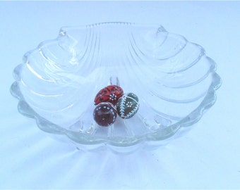 Vintage Seashell Clear Crystal Glass Bowl Shell Dish Clam Transparent Footed Bowl Candy Nut Dish Jewelry Ring Soap Dish Shabby Cottage Chic