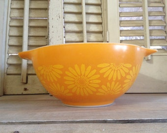 Pyrex Mixing Bowl Oven Ware Daisies