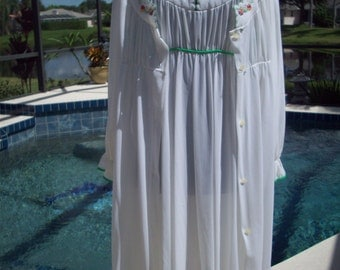 Vintage White Two Piece Nightgown and Cover by Gossard Artemis