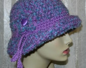 Women's Fashion Cloche - Variegated Boucle Yarn