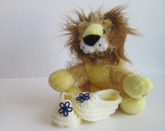 Crochet Baby Booties - Cream Off White with Blue Flower Buttons - Newborn to 3 Months