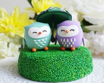 Custom Wedding Cake Topper - Love owl sharing umbrella