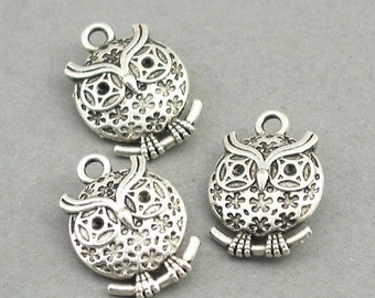 10 Owl Charms, Owl pendant beads, Antique Silver CM0481S