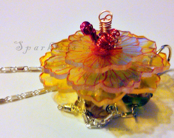 Hand crafted, 3D Flower Necklace
