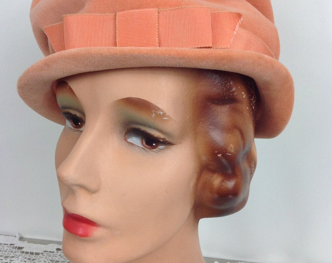 1960's Ladies Peach Velvet Hat by Ellen Faith of New York