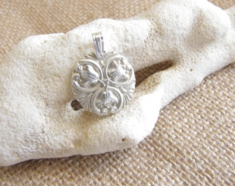 Silver Flower Pendant , Tulips Fine silver , Floral pendant , Flower necklace , .999 Silver , Minimalist