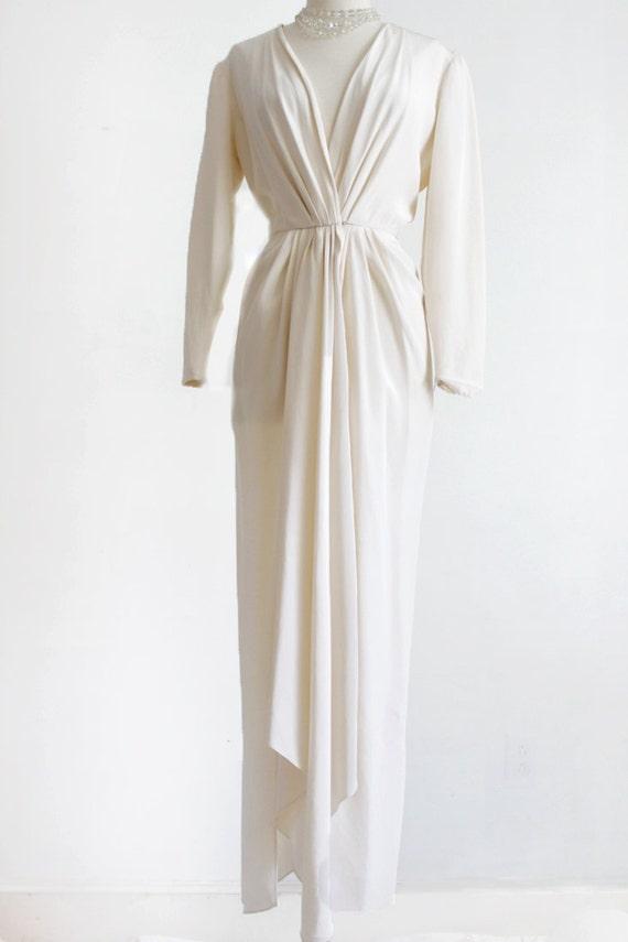 Oscar de la renta sm white cocktail dress deep plunge for Do dry cleaners steam wedding dresses