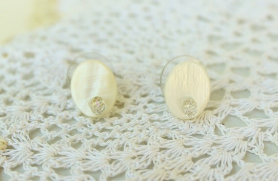 Mother of Pearl Oval Earring Studs with Swarovski Crystals- Bridal Earrings- Pearl Studs- Crystal Studs- Pearl Earrings- Crystal Earrings