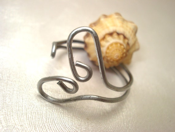 Size 7 - 8.5 Adjustable Heart Wire Paperclip Ring