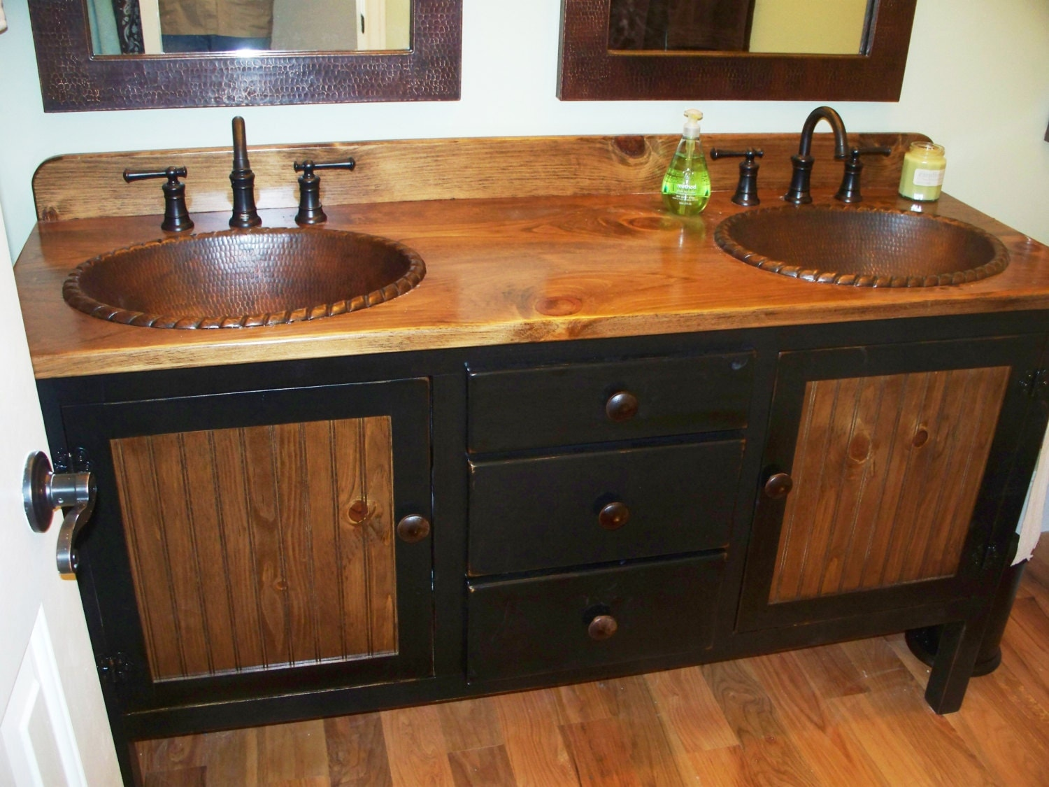 Rustic farmhouse vanity double bathroom vanity for Bathroom vanities with sinks included
