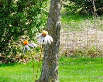 Metal Coneflower Yard Sculpture
