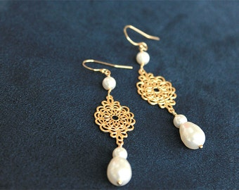 Pearl Earrings - Gold Dangle Bridesmaid Earrings - White Swarovski Pearl Dangle Earrings on Gold Filled Earwire - Pearl Bridesmaid Jewelry