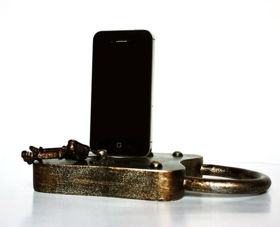 Padlock and Key Faux-Vintage Metallic Chic iPhone 4, 4S, 5, iPhone 5S Dock, Lock and Key