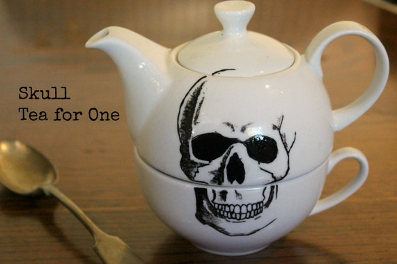 Hand painted One cup Tea Pot with skull design