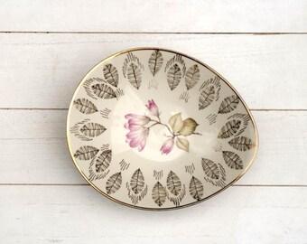 Vintage 1940s Tear Shaped Porcelain Magnolia Serving Bowl with Gold Gilded Leaves