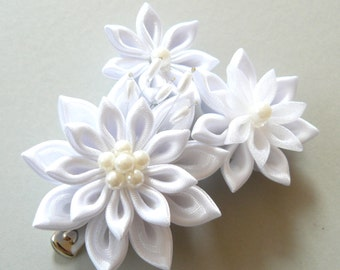 White Bridal Kanzashi Fabric Flower hair clip . Bridal Hair piece.