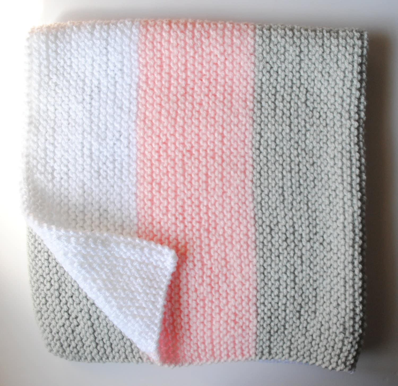 Finger Knitting Blanket : Hand knit baby blanket