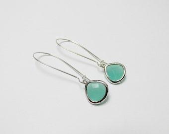 silver kidney mint earrings , aqua green earrings , silver sea green earrings, bridesmaids mint earrings, sea foam earrings, bridesmaids set